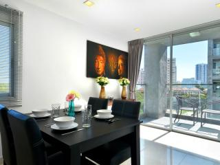 3BDR Luxury Condo 500m From Beach, Pattaya