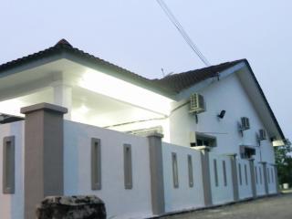 Stay99 house ( 1 master bedrooms), Melaka