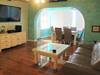 Steps from the Beach - Sizzling Summer from $85, Daytona Beach