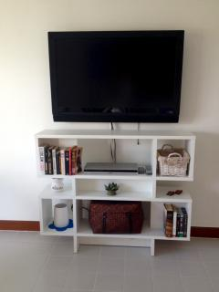 The mega Tv screen and Dvd player of Allamanda 1225