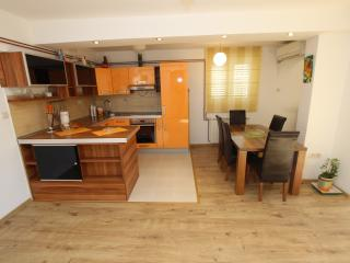 APARTMENT MILICA-LUXURY APARTMENT WITH TWO BEDROOM, Buljarica