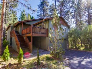 Cozy home w/resort amenities & game room/man cave!, Sunriver