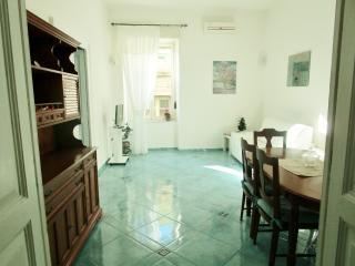 CASA OASI BLU:un'oasi di relax in pieno centro, Nápoles