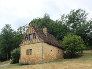 Vue de la maison depuis le terrain