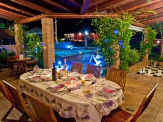 Hazienda RoseMary-Ground floor villa, Muntic