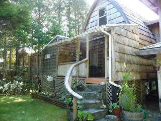 Michel's Cabin, Tofino