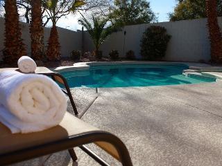 Pool, Spa, Putting Green, Air Hockey! NV10813, Las Vegas