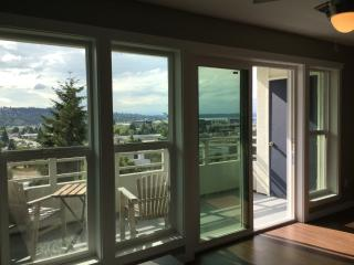 2Br/2bth Executive Suites in Renton Close to Boein