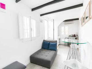 Lovely Penthouse in Born district with terrace, Barcelona