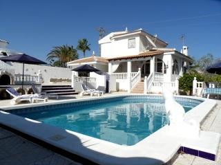 4 Bedroom Air- Conditioned Private Pool, Rojales