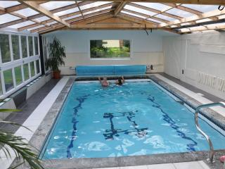 5 bed with woodland, pool & hot tub