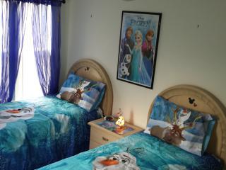 Disney Villa with pool, spa, games room, theme bed, Orlando