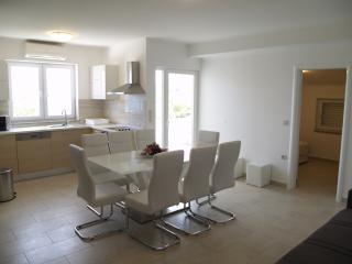 Summer apartment Majer, Preko