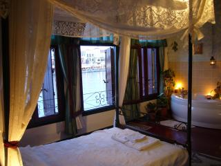 Captain Vasilis Triple room with sea view, Chania