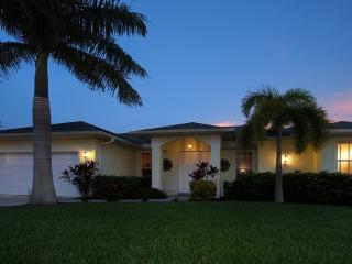VILLA PALM TREE- JUNE 03 - 10 SPECIAL RATES!!!, Cape Coral