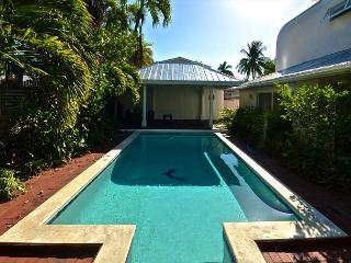 Sea Glass Cay - New Monthly Rental w/ Beautiful Private Pool, Key West