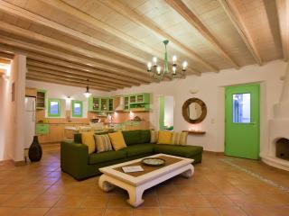 'Naoussa Bay Villas'complex-Villa Lefkes