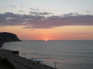 La Caida del Sol Paraíso, Bahia de Caraquez