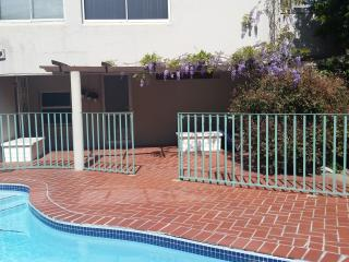 Cape Town, Camps Bay ,Comrie Studio11,Garden & Pool,Free Wifi