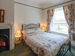 Tenby 4 star self catering cottage close to beach.