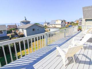 Spacious Great Room and Two King Bedrooms in this Roads End Ocean-view Home