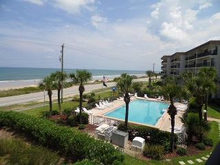 Beautiful 2 BEDROOM OCEANFRONT CONDO, Ormond Beach