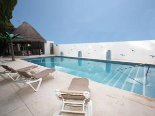 100 Yds from Beach and 5th Avenue - Alizes G32, Playa del Carmen