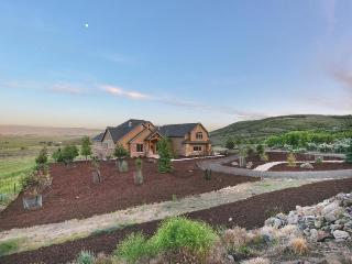 Lavish, secluded home w/game room, 2 garages & patios on 50 acres!, Kamas
