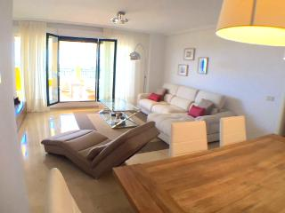 Costa del Sol - Deluxe Vacation Rental - 4G - 2BR, Benalmadena
