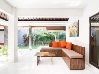 2-bedroom pool villa close to the beach, Seminyak
