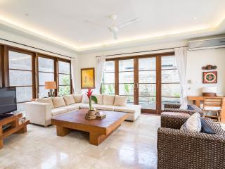 Beautifull ASTAMA Villa : Breathaking View & Pool, Seminyak