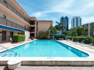 Great apartment closed to the Beach, Sunny Isles Beach