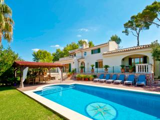 Estate close to the sea and Alcudia town 12 guests