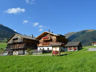 Feldererhof - Appartment Alpenrose
