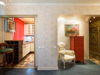 Fantastic 2-room apartment, 1km from Kremlin, Moscú