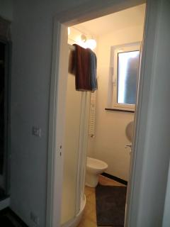 Bathroom 1 // Bagno 1