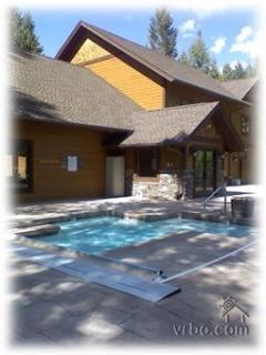 On-site Aquatics Facility 8:00 am - 10:00 pm Indoor Pool, Outdoor Hot Tub, Sauna, Lockers, Showers