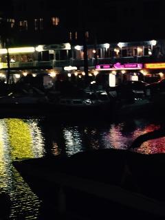 Duquesa at night