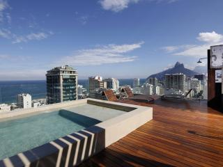 Rio012 - Penthouse in Ipanema with pool and brethtaking views, Rio de Janeiro