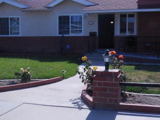 Beautiful!!! 3 bedroom vacation home, Anaheim