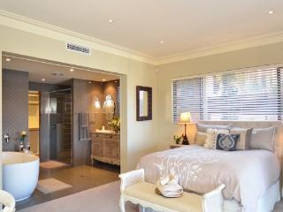 THE SUITE AT MINDARIE MARINA, Mindarie
