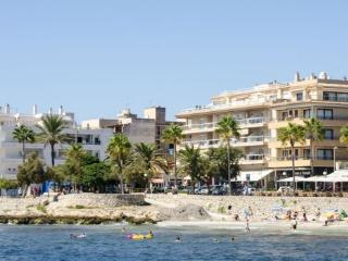 Beautiful Apartment on beach  sea view XA1, Cala Millor