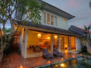 3BR villa in Seminyak Town, Near Beach & Shops