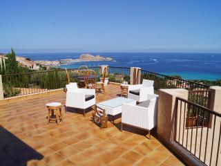Villa, Superbe vue panoramique ,mer et montagne