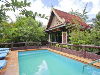 Orchard Paradise 2 BR Tropical Pool Villa, Pak Nam
