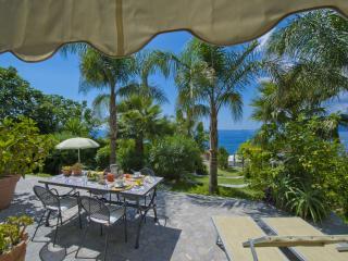 Casa Santacroce 2 - large garden, beautifull view, Praiano