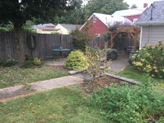 Private Garden Spot In The Heart Of East Nashville