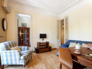 Monumental Gran Vía apartment in Eixample Esquerra with WiFi, air conditioning,