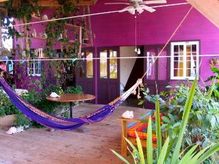 Purple House One - Over The Water Rentals, Pueblo de Bocas