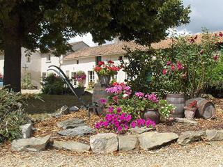 'The Barn' Gite Rental  (St-Macaire-Du-Bois), Saint-Macaire-du-Bois